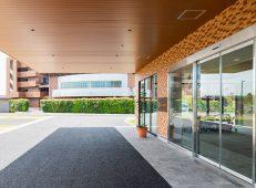 老人保健施設+看護学校 (3)